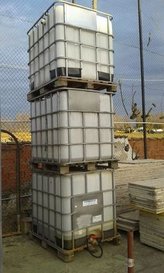 #Cisterne per #acqua LT.1000 usate. € 50,00 + iva cad.