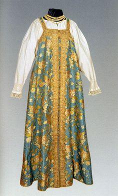Russian women's national costume - sarafan Viking Clothing, Historical Clothing, Mode Russe, Ethnic Dress, Russian Fashion, Folk Costume, Traditional Dresses, Beautiful Outfits, Fashion Models