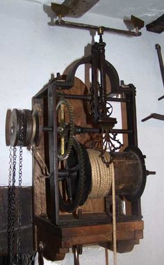 With its double pulley, the mechanism of this early 18th century, weight driven jack is capable of running two spits at the same time. This great example is operational in the kitchen of Wreay Farm in the north of England.