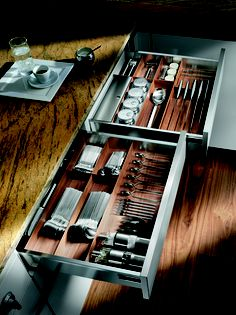 Touch & Drive Cutlery Drawer