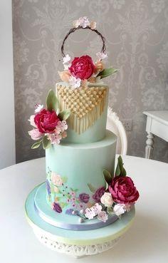 Romantic boho decorated cake with sugar & handpainted flowers Homemade Cakes, Cake Decorating, Hand Painted, Romantic, Sugar, Boho, Desserts, Flowers, Hobo Chic