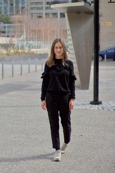 Nike Air Max Year of the Horse - Pantalon et pull à volant noir H&M - Montre Michael Kors Hunger Stop