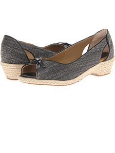Softspots at Zappos. Free shipping, free returns, more happiness! Available in wide width.  Comfort is beautiful!  I bought them and have found them to be comfortable.  I think they are pretty too!