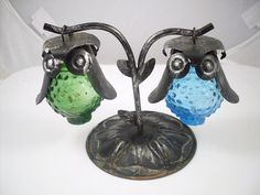 Vintage Owl Hanging Salt and Pepper Shakers. I want these!!!! So cute:-)