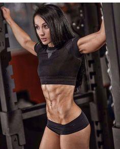 www.OnlyRippedGirls.Com #Fitness #Gym #FitnessModel #Health #Athletic #BeachGirl #hardbodies
