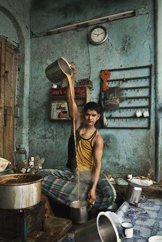 Amazing & Interesting Pictures: ChaiWala making Tea