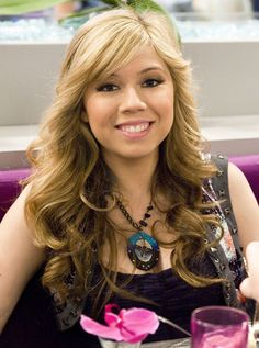 Sam (Jennette  McCurdy) from iCarly IM TOLD THIS GIRL IS MY LOOK ALIKE.
