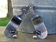 Spurs Western, Cowboy Spurs, Cowboy Boots, Welding Art, Welding Projects, Pointed Flats, Western Decor, Metal Crafts, Saddles