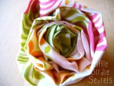 Tutorial: Rolled fabric flowers