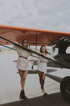 Photoshoot Themes, Photoshoot Inspiration, Senior Pictures, Girl Pictures, Plane Photos, Vintage Airplanes, Vintage Glamour, Picture Poses, Fashion Shoot