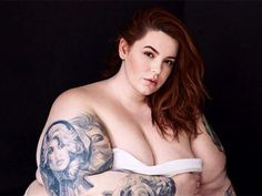 Tess Holliday battles body-shamers with revealing pregnancy photo
