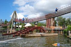 2/17   Photo de l'attraction SuperSplash située à Plopsaland de Panne (Belgique). Plus d'information sur notre site www.e-coasters.com !! Tous les meilleurs Parcs d'Attractions sur un seul site web !!