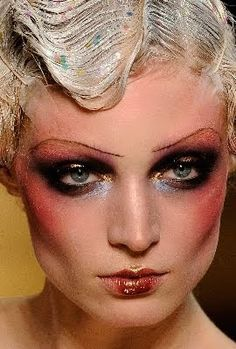 I Love Pat McGrath & John Galliano's Take on these Amazing Fashion, Make-up & Hair Looks……. Inspired by the I have been teaching Make-up through the eras the last few weeks to my students. John Galliano, Galliano Dior, Drag Makeup, Makeup Art, Hair Makeup, Eyebrow Makeup, Make Up Looks, Kabarett Berlin, Makeup Inspo