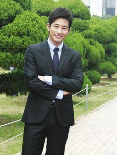 Park Shi Hoo. *.*