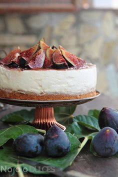 Not only sweet - no oven Cheesecake with figs and honey
