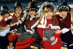 Ysgol Gymraeg Treganna Cardiff 1998 | St David's Day: 26 fantastic pictures that show celebrations in Wales through the years