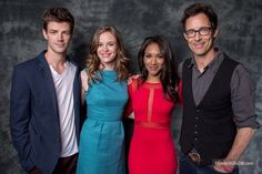 Flash - Promo shot of Danielle Panabaker, Tom Cavanagh, Candice Patton & Grant Gustin
