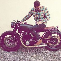 THIS. Everything about this. Honda CB750 from Seaweed and Gravel Garage by @imfreakinugly @chriskiker
