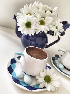 Surprising Ideas: Coffee Pictures How To Make turkish coffee with chocolate. Coffee Menu, Coffee Cafe, Starbucks Coffee, Hot Coffee, Iced Coffee, Coffee Girl, Coffee Scrub, Coffee Signs, Coffee Humor