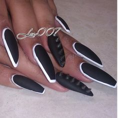 I'd never get my nails this long, but the design is awesome.