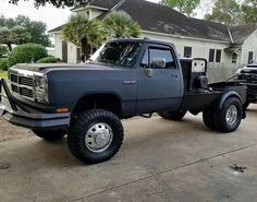 Tag a bud who runs an old school rig! Dodge Diesel, Diesel Trucks, 1st Gen Cummins, Dodge Cummins, Rig Welder, Pipeline Welding, Mobile Welding, Welding Beds, Single Cab Trucks