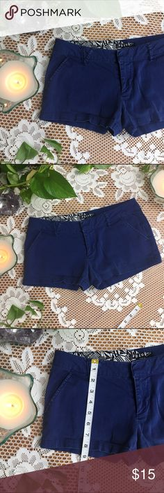 Volcom shorts! [#914] Volcom shorts in a dark royal/navy blue color. Size 3. Good length. Good used condition.  I have multiple pairs available in different colors.  No trades, please.  Prices negotiable through offer option only.  No prices discussed in comments🙊 Bundles are discounted--bundle discount can, and will, vary🍍 Volcom Shorts