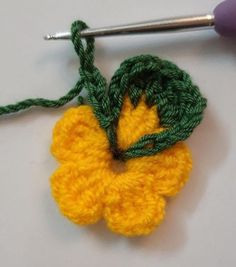 Crochet Flower Patterns, Crochet Motif, Irish Crochet, Crochet Flowers, Crochet Stitches, Yarn Flowers, Colorful Flowers, Yarn Projects, Crochet Projects