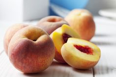 How To Ripen Peaches, How To Cut Peaches, Food Network, Chefs, Peach Chutney, Vinaigrette Salad Dressing, Dressing Recipe, Diy Beauté, Side Dishes