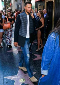 The Currys 2018 Nba Champions, Stephen Curry Pictures, Hunks Men, Nba Players, Golden State Warriors, Bomber Jacket, Athletes, Families, Money