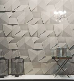 Scaleno concrete wall covering by designed by Brazilian firm Castelatto - Interior Walls, Home Interior, Interior Design, Panneau Mural 3d, Wall Design, House Design, 3d Wall Tiles, 3d Wall Decor, 3d Wall Panels