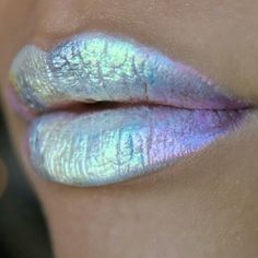 Holographic lips (( Instagram: @Beautybybronav ))