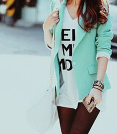 Mint Blazer- adds a pop of color to any outfit Mint Green Blazer, Green Jacket, Blazer Verde, Turquoise Blazer, Azul Tiffany, Tiffany Blue, Passion For Fashion, Style Me, Street Style