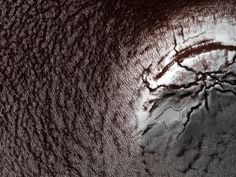 Icy layer cake on Mars