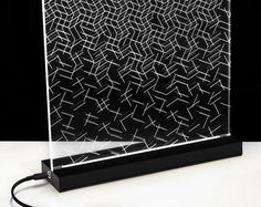 Op-Art - Table lamp wood and acrylic -