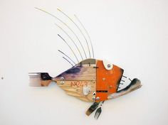 Bois flottés – Les cahiers de Joséphine The wood floats and when he has enough to float, what does he … Driftwood Fish, Driftwood Sculpture, Fish Sculpture, Sculptures, Afrique Art, Driftwood Projects, Wooden Fish, Found Object Art, Junk Art