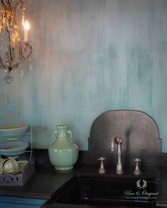 Fresco Lime paint Kalkverf colour Polar Blue for the kitchen - keuken. Wall Colors, Colours, Stove Backsplash, Lime Paint, Mineral Paint, Vintage Stil, Inspiration Wall, Nature Paintings, Wabi Sabi