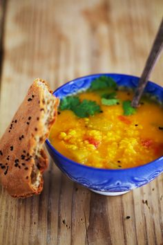 Tomato Dahl with Naan: a perfect cold-fighting meal (gf, vegan).