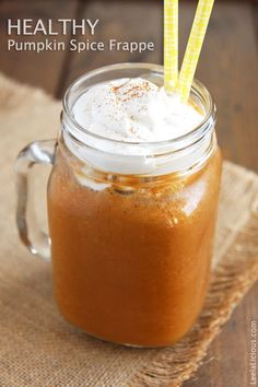 Healthy Pumpkin Spice Frappe - made with only real ingredients and no refined sugar. Vegan and paleo-friendly