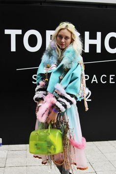 tess yopp snapped by susie bubble.