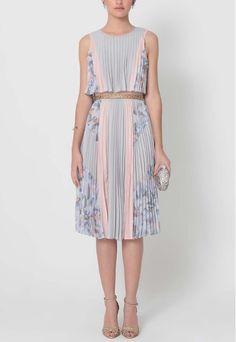 POWERLOOK - Aluguel de Vestidos Online - Vestido Otília midi plissado BCBG MAXAZRIA - estampado  #otilia #vestidomidi #midi #estampado #alugueldevestidos #powerlook #vestidomadrinha #madrinha #vestidocasamento #casamento #vestidofesta #festa #lookcasamento #lookmadrinha #lookfesta #party #glamour #euvoudepowerlook  #dress   #dia