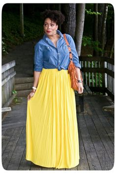 Love this: Chambray Shirt + Maxi Skirt! Yellow Skirt Outfits, Yellow Maxi Skirts, Diy Maxi Skirt, Maxi Skirt Outfits, Dress Skirt, Maxi Dresses, Pleated Maxi, Looks Jeans, Mellow Yellow