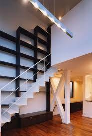 「家 階段 本棚」の画像検索結果