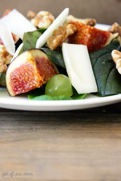 Herbstsalat mit Feigen, Trauben und Ziegenkäse - Rezept auf http://fightoff-yourdemons.blogspot.de