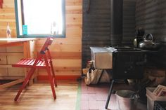 Tim and Hannah's Affordable DIY Self-Sustainable Micro Cabin — Small