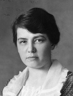 La ingeniera Olive Wetzel Dennis (1885-1957) nació un 20 de noviembre.