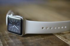 Apple Watch Review, Is It <Hot> or Not? Read more at: http://hothardware.com/reviews/apple-watch-review#du0VuqDzAtb6udyx.99