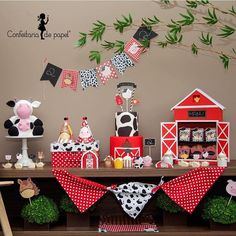 Decor and Products (handmade): Confeitaria de Papel (Carol Reiner designer) Farm Animal Party, Farm Animal Birthday, Cowboy Birthday, Farm Birthday, Second Birthday Ideas, Girl 2nd Birthday, Boy Birthday Parties, Farm Themed Party, Barnyard Party