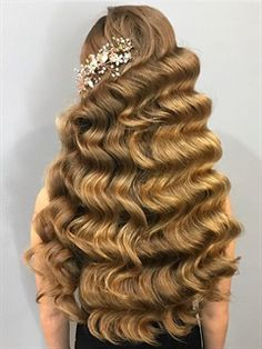 Embrace your wild side and check out our list of the top 12 trending hairstyles of 2020 is the year of bold and daring new looks, from hair to makeup. Long Silky Hair, Long Wavy Hair, Retro Hairstyles, Trending Hairstyles, Rapunzel, Bridal Makeup Images, Bridal Hair Inspiration, Long Hair Tips, Instagram Hairstyles