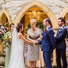 Honeywed is a Wedding Directory of professional, local wedding venues and vendors providing services in Australia. Find & book unique wedding reception venues, wedding catering services on the gold coast Brisbane. For details visit our website: https://honeywed.com/