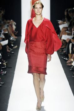 See the complete Carolina Herrera Spring 2009 Ready-to-Wear collection.